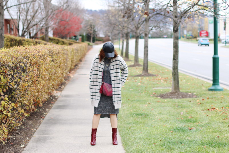 Fuzzy Window Pane and Burgundy Accessories + Giveaway 11 (CLOSED)