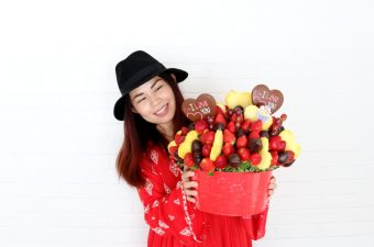 Edible Arrangements Chocolates and Fruits, bouquet, valentines day